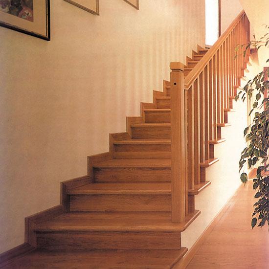 Escaleras de madera maderas y puertas g2 - Modelos de escaleras de interiores de casas ...